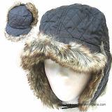 プラシ天の冬の帽子