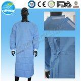 Vestido estéril descartável do funcionamento para o hospital e os doutores
