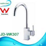 Jd-Wk307 Design quadrado torneira da cozinha Misturador de cozinha giratória de bronze para cozinha