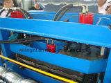 サーボモーターが付いている機械を形作る艶をかけられた鋼鉄タイルの壁パネルロール