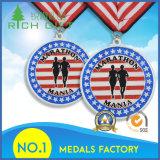 Medallas de encargo de la talla con el fondo especial de la textura para el ganador de la guerra