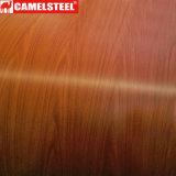 Le bois en relief la bobine en acier recouvert de couleur