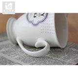 11oz陶磁器のフィートのマグの顧客の自身のロゴ