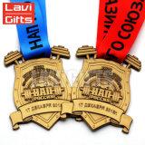 習慣は金メダル、きらめきのエナメルの連続したメダルをよじ登る