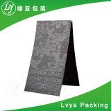De lujo en venta al por mayor impresas personalizadas Hangtag vestido de negro con acabado brillante de alta
