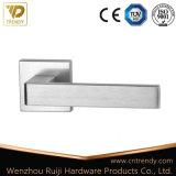 Levier en alliage de zinc sur la poignée de porte a augmenté de haute qualité (Z6329)