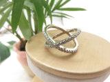 めっきされる工場白い金女性のための真鍮の銅の銀製Xの形のリングをめっきする