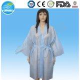 Kimono a gettare rosso della STAZIONE TERMALE del kimono della STAZIONE TERMALE non tessuto