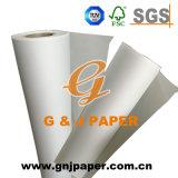 Полупрозрачная бумага ощупывания карту в мастерской с естественной упаковки