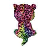 O varejo marcou o urso do brinquedo do luxuoso para crianças