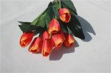 Flores artificiales de seda del tulipán para las piezas centrales de la tabla de la boda