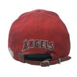 カスタムCotton/PUの刺繍の赤の帽子