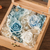 De houten Bewaarde Gift van de Bloem voor de Decoratie van het Huis
