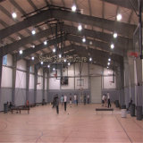 Costruzione chiara moderna del campo da giuoco di pallacanestro della struttura d'acciaio