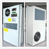 tipo compacto de enfriamiento acondicionador de aire de la placa de la capacidad 300W para la cabina al aire libre