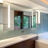 La vanité Frameless d'hôtel a taillé le miroir léger de salle de bains lumineux par DEL