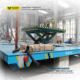 Carretón eléctrico del ferrocarril con el vector de elevación hidráulico para la descarga