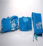 Самые популярные комплекты одежды для девочек