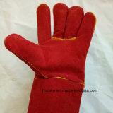 Изолированный красного цвета кожи Construction & сварки перчатки