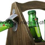 Rústicos de madera marrón claro incendiaron la caja de cerveza de botella con el abridor de botella de tapón de metal