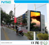Tela de indicador do diodo emissor de luz do anúncio ao ar livre de pólo de iluminação da rua P6 com projeto esperto do telefone