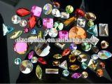 ガラス正方形の平背のビードおよび水晶宝石用原石