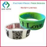 Braccialetto di gomma del silicone della fascia della mano di marchio personalizzato Promontional di alta qualità