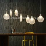 2017 lámpara pendiente de la más nueva del diseño LED del ping-pong dimensión de una variable de cristal creativa del palo