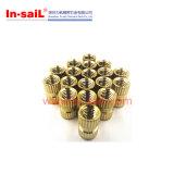 Noix en laiton M8 de garniture intérieure filetée de fournisseur de dispositif de fixation de la Chine pour le boîtier plastique