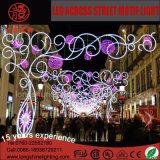 通りのモチーフライトを渡る屋外の休日装飾的なLED第2クリスマス