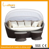 Garden Hotel Outdoor Patio Furniture Rattan / Wicker Swimming Pool Lying Bed Daybed