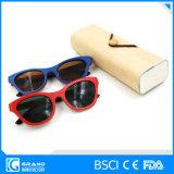 Occhiali da sole di bambù di alta qualità di Chelsea Morgan Eyewear con il caso