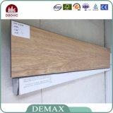 Uso interno real como o revestimento de madeira do PVC