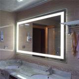 Miroir léger lumineux par DEL fixé au mur de regain de salle de bains d'hôtel anti