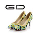 Zapatos de vestir de las mujeres de la manera Zapatos del dedo del pie del dedo del pie del alto talón con los remaches