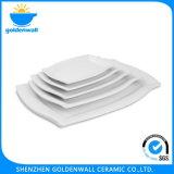 Pratos cerâmicos de porcelana para serviço de restaurante