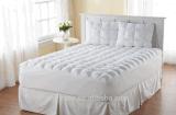 Microfiberの満ちるマットレスパッドの最もよいベッドのマットレスの上層