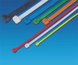 Attache de câble en nylon autobloquant