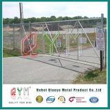 Projeto moderno revestido usado das portas do PVC e das cercas da ligação Chain