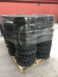 China Solid Tire Solid Tire 10-16.5 12-16.5 Bobcat Skidsteer Loader Tire