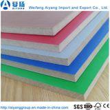 Melamina Color sólido cubierto de papel de la Junta de MDF de Shandong