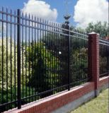 3railsやりの上の鋼鉄棒杭の囲いか装飾用の鉄の塀または囲うこと