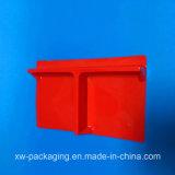주문을 받아서 만들어진 빨간 물집 포장 쟁반