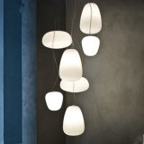 Iluminação decorativa branca moderna da lâmpada do pendente da esfera de vidro para o restaurante
