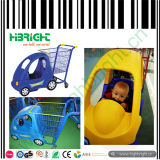 Carrello di acquisto dei bambini con l'automobile di plastica del giocattolo