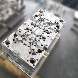 プラスチック電槽の注入型
