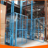 Elevador vertical de carga elétrica usado no armazém