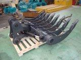 熊手のバケツを傾けるVolvo Ec240 1900mmの幅の掘削機