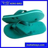 Il PVC luminoso di colore di alta qualità mette in mostra il sandalo del pistone per gli uomini
