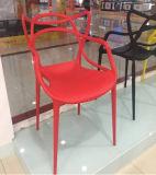 宴会棒プラスチック椅子を食事する庭PP Chiavari Tiffany